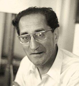 El passat mes de gener es complia el centenari del naixement de Joan Teixidor i Comes (Olot, 1913 – Barcelona, 1992), poeta, crític literari, assagista i editor. Teixidor, que encara no ha estat prou reconegut, és una de les figures de la literatura catalana reivindicades per Sam Abrams qui, el 2012, va guanyar la Beca Martí i Pol per dur a terme l'edició crítica de la poesia completa de Joan Teixidor, la millor manera de commemorar el seu aniversari.