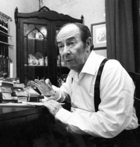 Enguany se celebra el centenari del naixement de Joan Vinyoli (Barcelona, 1914-1984). Poeta de primer ordre, amb una producció d'una intensitat i fondària excepcionals, la seva obra és constituïda per 17 llibres de poemes i unes magnífiques versions de Rilke.