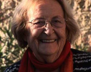 El passat 9 de setembre moria a Barcelona als 96 anys la poeta i traductora Montserrat Abelló. Autora d'una obra poètica de primer ordre que ha obtingut els més amplis reconeixements, va realitzar també una important tasca de traducció de l'anglès al català i del català a l'anglès.
