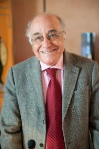El passat 29 de gener moria Carles Miralles i Solà (Barcelona, 1944 – 2015). Poeta, humanista, filòleg, traductor i estudiós de la literatura. A més de la seva poesia, Miralles ens ha deixat una important obra assagística sobre literatura grega i catalana.