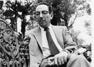 Enguany es compleix el 20è aniversari de la mort d'Artur Bladé i Desumvila (Benissanet, 1907 – Barcelona, 1995). Autor d'una extensa i valuosa obra memorialística, cronista de l'exili i biògraf, els seus llibres són un testimoni de primer ordre sobre l'època que li va tocar viure.