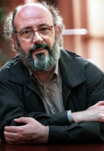 Aquest mes de juny es compleixen 20 anys de la mort de Jesús Moncada (Mequinensa, el Baix Cinca, 1941 – Barcelona, 2005). Narrador i traductor, la seva obra recrea amb la força del mite l'antic passat de Mequinensa. És considerat un dels escriptors més importants del seu temps.