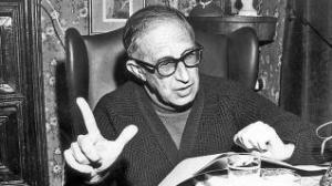 Enguany es commemora el centenari del naixement del Llorenç Moyà i Gilabert de la Portella (Binissalem, 1916 – Palma, 1981). Poeta, dramaturg i narrador, autor d'una extensa obra, era llicenciat en Dret i col·laborador habitual de la premsa insular.
