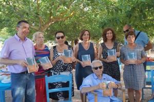"""El passat mes de juliol, en motiu del 90è aniversari de l'escriptor de Ciutadella, sortia publicat per l'IME el llibre """"Homenatge a Antoni Moll Camps"""" amb textos de diferents autors i edició a cura d'Ismael Pelegrí i Josefina Salord."""
